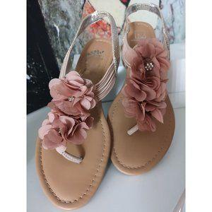 Material Girl Sari Flower Flip Flop Sandels pink 10M
